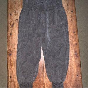 Athleta Quarter Length Pants Size 2